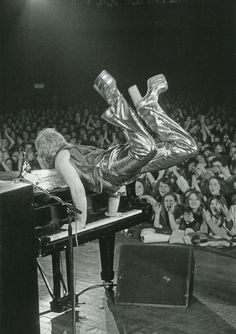 Elton John at the Sundown Theatre, North London, photo by Barrie Wentzell, 1973