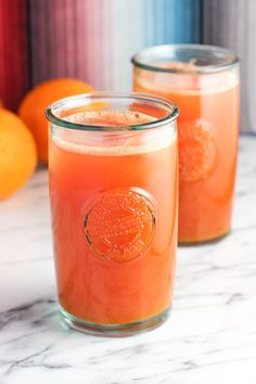 Watermelon orange ginger turmeric juice is a fruity, refreshing juice spiced up with superfoods - fresh ginger and turmeric. This juice is smooth with no juicer required! This summer, amid a generous share of tacos, Detox Diet Drinks, Healthy Juice Recipes, Vitamix Recipes, Healthy Juices, Healthy Drinks, Detox Juices, Cleanse Recipes, Healthy Smoothies, Blender Recipes