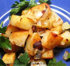 Roasted Potatoes with Onions and Bacon (Bratkartoffeln)