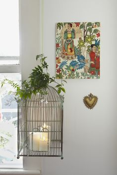 Bedroom makeover inspired by Frida Kahlo, vintage style, bird cage & candles. Photo Toaki Okano