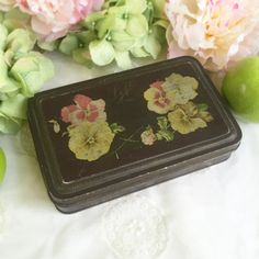 Lovely Antique Art Deco decorative Floral Tin Box Loft Tea biscuit chocolate advertising tin litho storage kitchen décor black by WonderCabinetArts