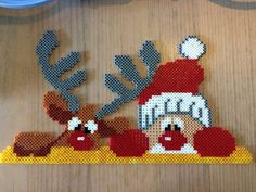 Rudolph et Santa – bügelperlen – Hama Beads Hama Beads Design, Hama Beads Patterns, Beading Patterns, Pixel Art Noel, Kids Crafts, Diy And Crafts, Moose Crafts, Christmas Perler Beads, Peler Beads