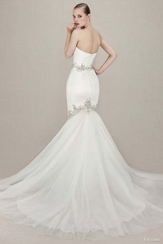 ENZOANI wedding dresses from the newest collection are today's beautiful bridal inspiration with the most stunning silhouettes. 2016 Wedding Dresses, Wedding Bridesmaid Dresses, Bridal Dresses, Wedding Gowns, Wedding Dressses, Vintage Glamour, Mod Wedding, New Blue, Plein Air