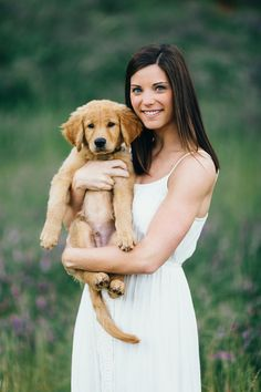 ©Erin Morrison Photography | on location engagement photos with retriever puppy