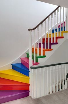 Escalera de colores arco iris | Rainbow stairs