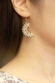 Tatting lace necklace / earrings pdf pattern by TheKimAndI on Etsy