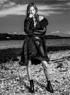 Elisabeth Erm By Victor Demarchelier For Vogue Spain January 2015 As 'Juegos deinvierno' - 3 Sensual Fashion Editorials | Art Exhibits - Anne of Carversville Women's News