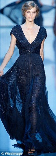 Elie Saab gown. Future wedding dress inspiration número dos.