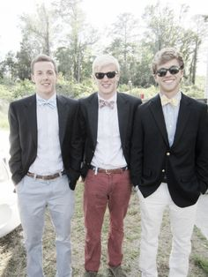 Love this men's casula prep style. Love the NANTUCKET RED pants and belt
