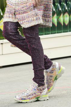 Sneakers en la pasarela.
