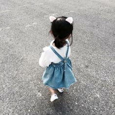 La amo ♥ Cute Asian Babies, Korean Babies, Asian Kids, Cute Babies, Baby Girl Fashion, Toddler Fashion, Kids Fashion, Baby Pictures, Baby Photos