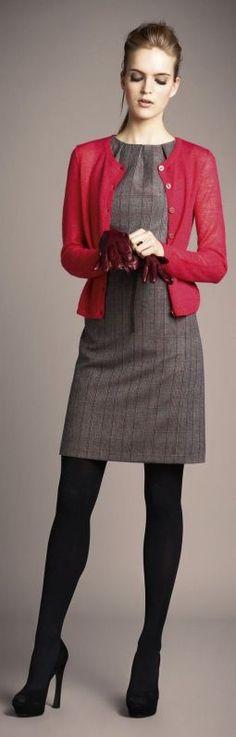красный кардиган  с платьем