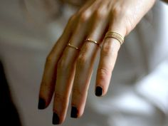 small gold or black rings Delicate Jewelry, Dainty Ring, Gold Jewelry, Jewelry Box, Jewelry Accessories, Fashion Accessories, Delicate Rings, Simple Rings, Jewellery