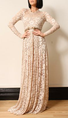 Lola Loves - Long Lace Dress: This makes a gorgeous wedding dress...