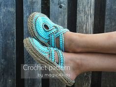 A brand new & original design for CROCHETING women slippers with rope soles! For fall season Im proposing a new design for women slippers/ clogs. These beautiful slippers have rope soles and a charming upper part, suitable for all women who loves…Read Crochet Slipper Pattern, Crochet Slippers, Crochet Patterns, Loafer Shoes, Loafers, Shoe Pattern, Crochet Woman, Womens Slippers, Slip On Shoes