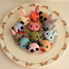 broochies by Gingermelon, via Flickr