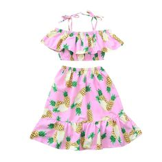This adorable dress is sure to be a favorite with your little girl! Perfect for the beach or warm summer days. Hawaiian Sundress, Stylish Toddler Girl, Pineapple Print, Casual Summer Dresses, Matching Outfits, Summer Girls, Look, Dress Set, Baby Dresses