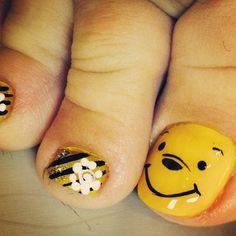 Disney nail art, Winnie the Pooh. Nail design.