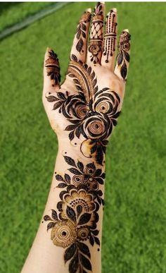 Mehndi Designs Front Hand, Khafif Mehndi Design, Rose Mehndi Designs, Latest Bridal Mehndi Designs, Henna Art Designs, Modern Mehndi Designs, Mehndi Designs For Girls, Mehndi Designs For Beginners, Mehndi Design Photos