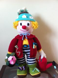 Bertie Bloomer, knitted clown. Loved making this, excellent pattern from Jean Greenhowe