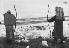 The Koryak warrior in traditional combat equipment. Lamellar shield made of bearded seal skin Woman Archer, Old Warrior, Bow Quiver, Archery Bows, Barbarian, Views Album, Vintage Photos, Mystic, Around The Worlds