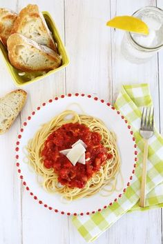 Easy (  Delicious!) Homemade Tomato Sauce