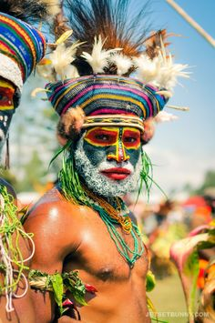 Papua new guinea tribes ultimate wild wacky tribes you must meet! 15 reasons why papua new guinea is awesome Tribes Of The World, People Around The World, Papua Nova Guiné, Portrait Photography, Photography Tips, Street Photography, Landscape Photography, Nature Photography, Fashion Photography