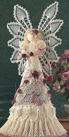 Ravelry Wow-the ultimate xmas angel! Free pattern Ravelry: Heavenly Pineapple Angel pattern by Jo Ann Maxwell - Crochet Angel Pattern, Crochet Angels, Crochet Motifs, Thread Crochet, Crochet Dolls, Crochet Patterns, Crochet Ideas, Crochet Gratis, Free Crochet