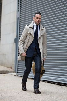 Tackling the spring transition with a business casual outfit featuring a Burberry trench, a blazer and jeans. Perfect for casual Fridays at the office.