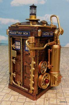 Steampunk TARDIS By Emma.j