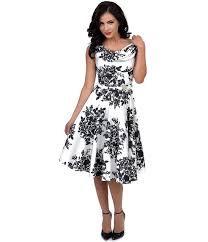 Résultats de recherche d'images pour «black and white DRESS»