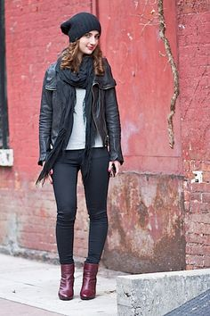 Lauren shows us New York street style at its best: http://blog.wantering.com/post/40845673193/laurengallo