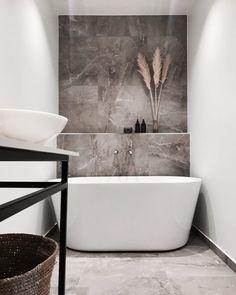 credit: Styling By Denice Source: maisonsblanches decor design Relaxing Bathroom, Small Bathroom, Bathroom Ideas, Bathrooms, Wc Design, Interior Design, American Style House, Minimalist Bathroom, Modern Farmhouse Decor