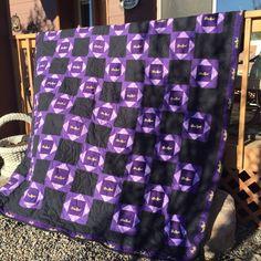 Crown Royale quilt 9/2015 Crown Royal Quilt, Crown Royal Bags, Royal Crowns, Man Cave Quilts, Man Quilt, Royal Pattern, Crown Pattern, Quilting Projects, Quilting Designs
