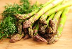 An easy, tasty roasted #asparagus dish - just a pinch of lemon, rosemary and salt! #sidedish #vegetable