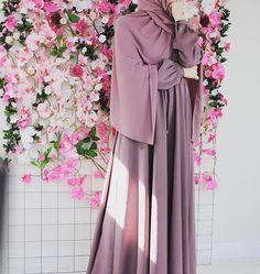 Hijab Niqab, Muslim Hijab, Hijab Chic, Hijab Outfit, Niqab Fashion, Muslim Fashion, Fashion Dresses, Hijabi Girl, Girl Hijab