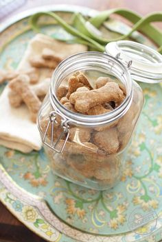 Easy to make, all natural Homemade Dog Treats - healthy, tasty and ones your dogs will surely love! | zagleft.com
