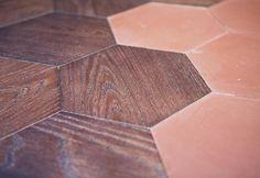 Bisazza: oltre il mosaico. A Bologna le collezioni Wood e Cementiles