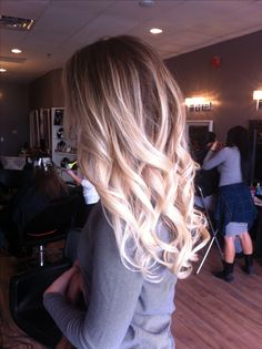 For Morgan when she gets her hair done. Hair Color And Cut, Ombre Hair Color, Blonde Ombre, Blonde Hair, Hair Colors, Gorgeous Hair, Beautiful, Girly, Dream Hair