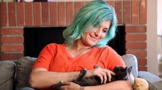 This Special Needs Kitty Helps Welcome New Foster Cats Into His House