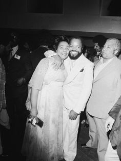 Coretta Scott King and Berry Gordy Martin Luther Jr, Black History Facts, History Pics, Berry Gordy, Black King And Queen, Cult Of Personality, Coretta Scott King, Dr Martins, Vintage Black Glamour