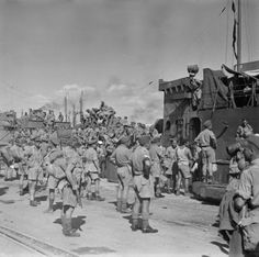 10-14-1943 New Zealand soldiers arrive in Taranto, Italy.