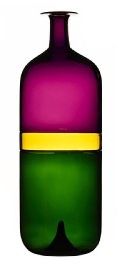 The M Rothko's bottle Tapio Wirkkala---oh this is amazingly beautiful…can i still buy it? Bottle Design, Glass Design, Design Art, Nordic Design, Scandinavian Design, Helsinki, Glass Bottles, Glass Vase, Glas Art