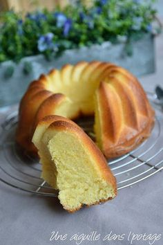 une aiguille dans l' potage: Gâteau au fromage blanc et fleur d'oranger a needle in the soup: Cake with fromage blanc and orange blossom Sweet Recipes, Cake Recipes, Dessert Recipes, Savoury Cake, Clean Eating Snacks, Sweet Tooth, Good Food, Brunch, Food And Drink