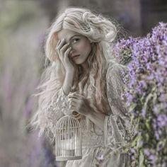Волшебные женские образы на фотографиях из уэльских лесов