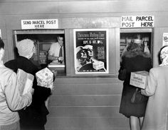 Extraordinary Photos of Everyday Life in Oak Ridge, the Secret City Post office at Christmas time, 1944