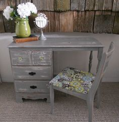 gray distressed desk. Omg I love this