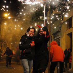"""This is how they do it in the barri of #Gràcia...Getting #Correfoc-ed amb @estrelladammcat. #estrelladamm #barcelona #catalunya #sapobla #foguerons…"""