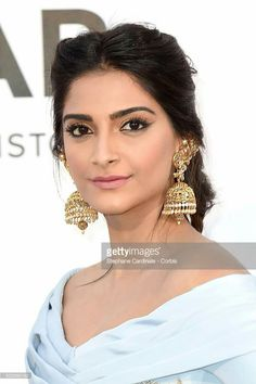Sonam kapoor cannes light blue gold makeup