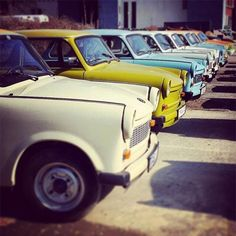 Comparateur de voyages http://www.hotels-live.com : If you were lucky enough to own a car in East Germany it would most likely have been a Trabant (Trabi in short). #LonelyPlanet writer @raubontheroad is on the road in #Berlin where he snapped this shot of a line of the famous cars. The Trabi was a tinny two-stroker whose name (satellite in German) was inspired by the launch of the Soviet Sputnik in 1956. (Writers Twitter: @RaubOnTheRoad) #travel Hotels-live.com via…
